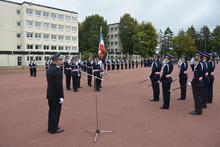 http://www.ensp.interieur.gouv.fr/var/ensp/storage/images/mediatheque/images/actualites/translation-du-drapeau-lors-de-la-ceremonie-de-bapteme-des-officiers/150048-1-fre-FR/translation-du-drapeau-lors-de-la-ceremonie-de-bapteme-des-officiers_medium.jpg